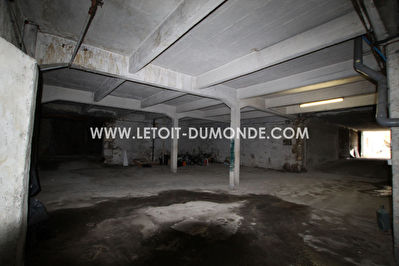 Garage de 287 m², quartier des affaires