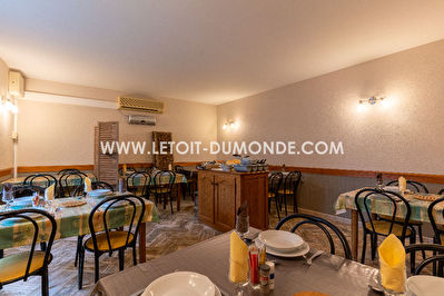 Bar-restaurant + appartement  à Tocane-St-Apre de 290m²